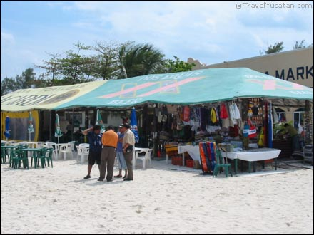 cancun_beach_stores